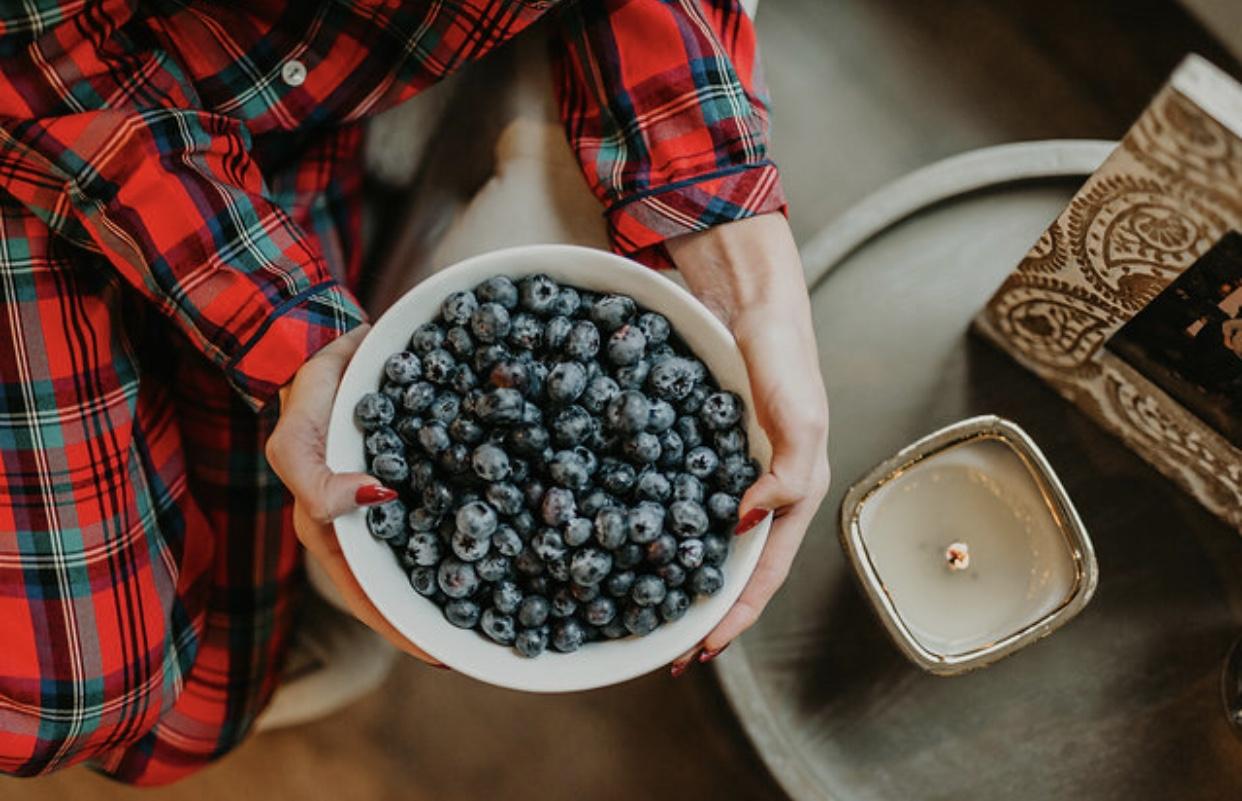 Nastia Liukin Blueberries Holiday